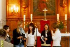 młodzież w kościele_maj 2010